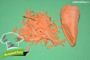 Минтай, тушеный с морковью | Шаг 2