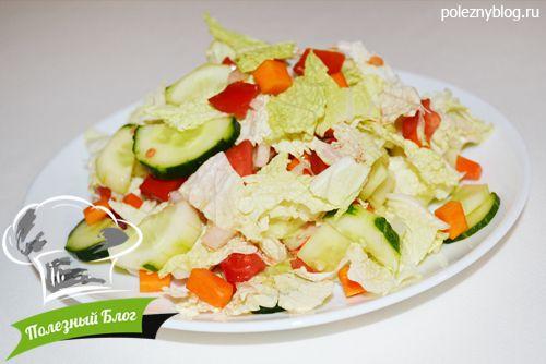 салат из пекинской капусты и помидоров и огурцов