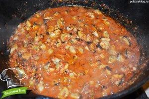 Мидии в томатном соусе с чесноком | Шаг 6