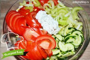 Салат из помидора, огурца и сельдерея - Шаг 6